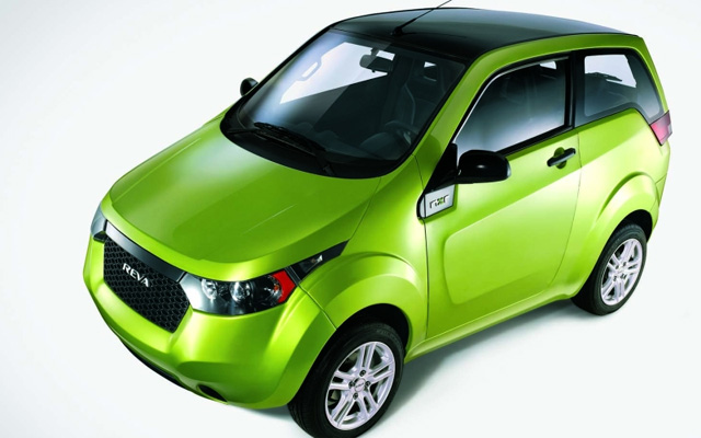 Reva Ties Up With Carzonrent to Offer its Electric Cars on Rent