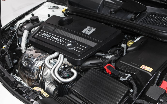 2014-mercedes-benz_cla45-amg-engine