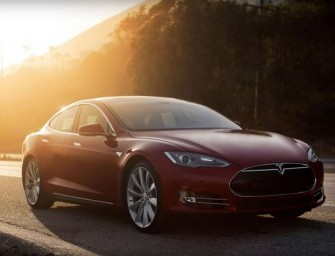 Tesla Motors Introduces All-Wheel-Drive Model D
